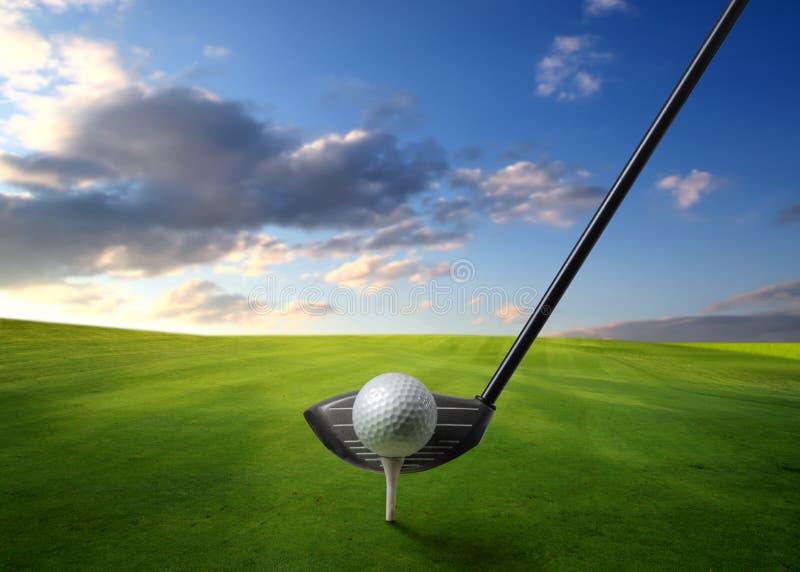 Golf op een weide royalty-vrije stock afbeeldingen