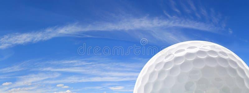 Golfbal en Hemel stock foto