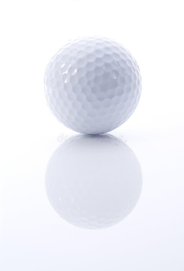 Golfbal met bezinning royalty-vrije stock foto's