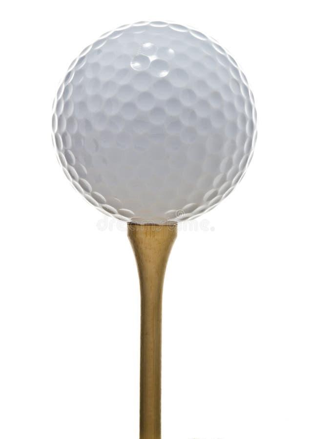 Golfball auf einem T-Stück lizenzfreie stockbilder