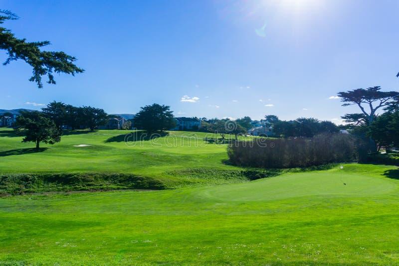 Golfbana Half Moon Bay, Kalifornien arkivfoton