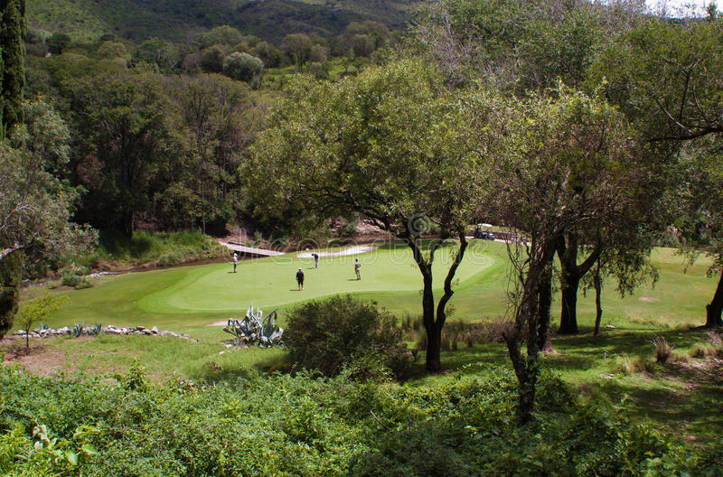 Golfbana i Cordoba Argentina royaltyfria foton