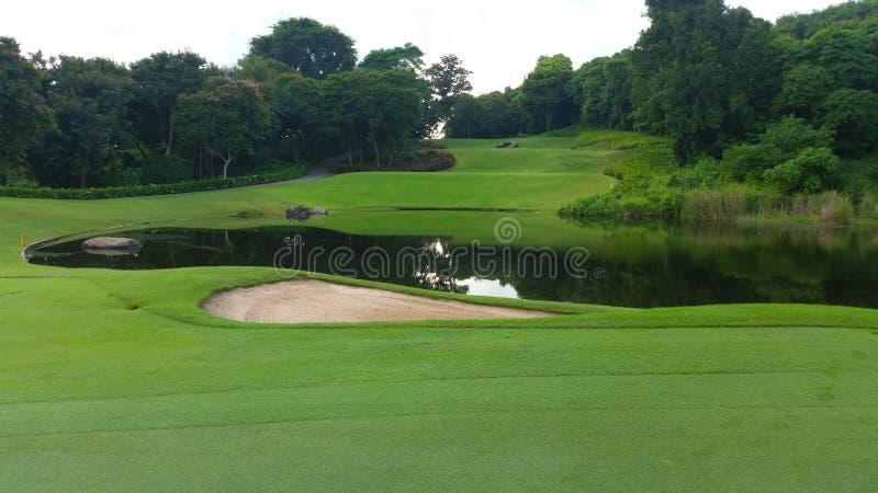 Golfbana på Lam Chabang, Pattaya arkivfoto