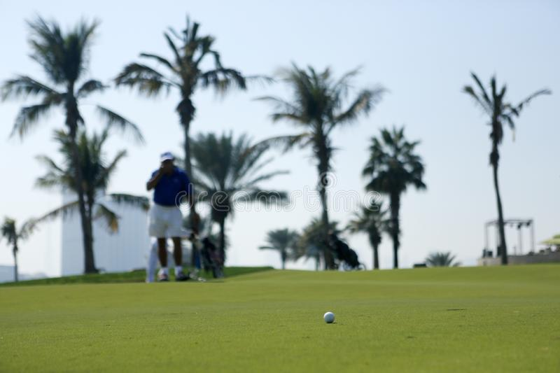 Golfbanan i dubai arkivfoto