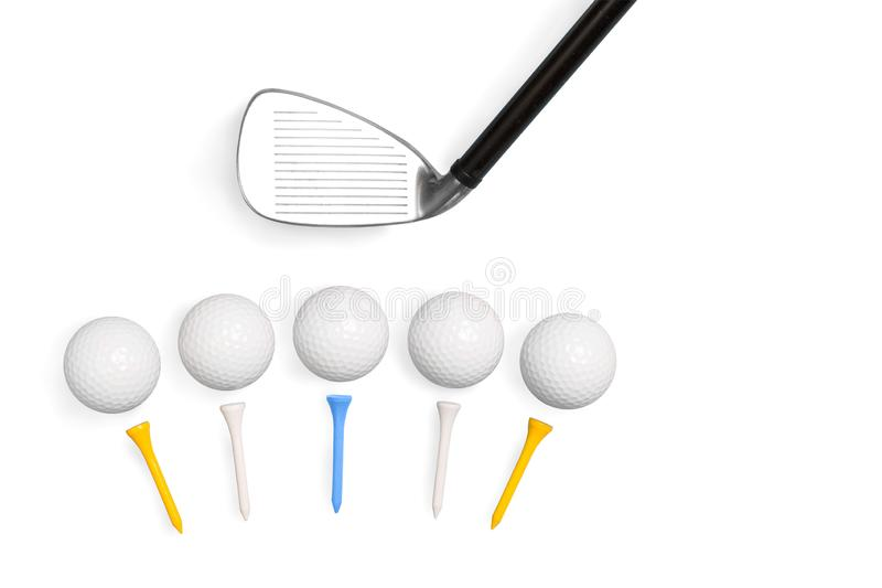 Golfclubs und Golfbälle mit den T-Stücken lokalisiert auf weißem Hintergrund stockfoto