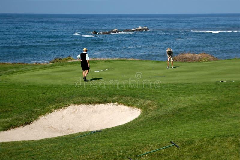 Golfing dal mare immagine stock libera da diritti