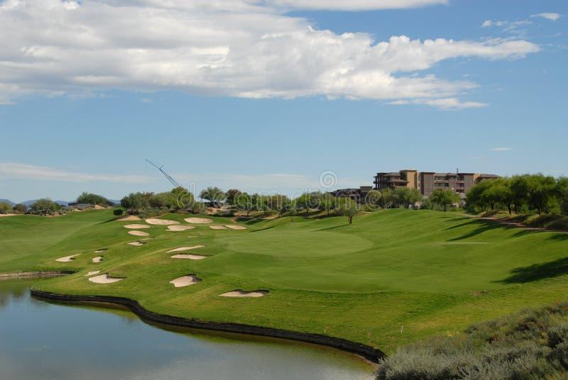 Golfloch lizenzfreies stockfoto