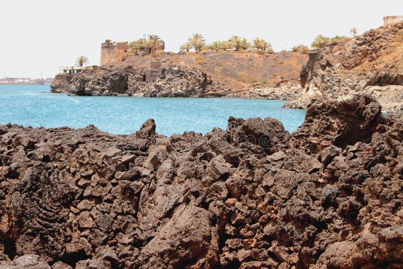 Golfo endurecido da lava e do mar Arrecife, Lanzarote, Espanha fotos de stock royalty free