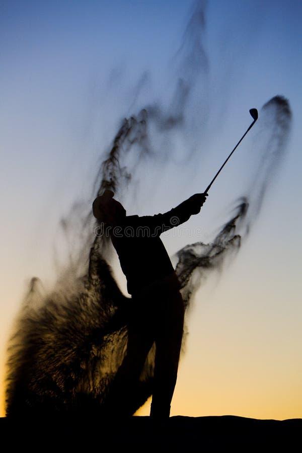 golfsilhouette royaltyfri bild