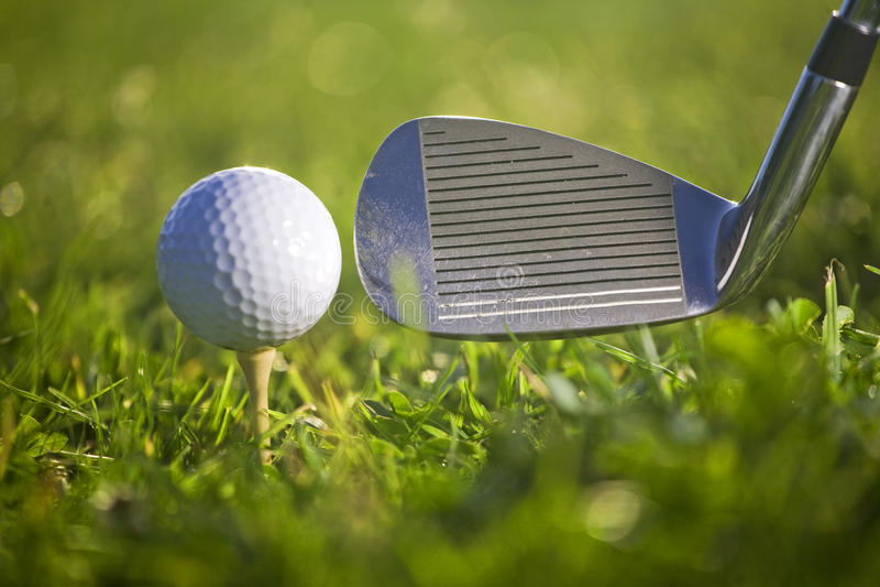 Golfspiel lizenzfreies stockfoto