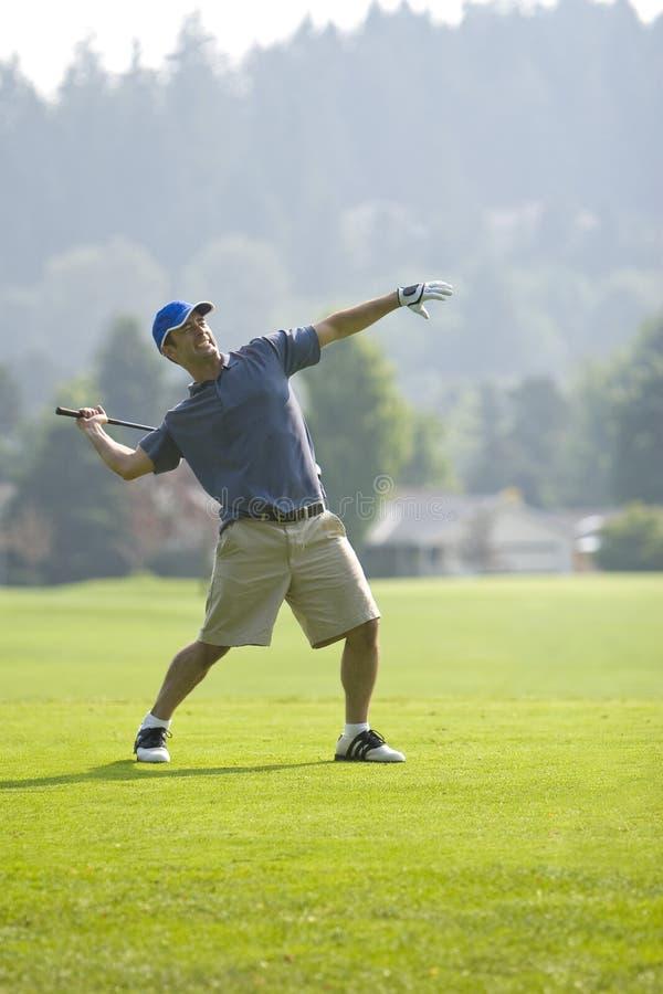 Golfspieler-werfender Klumpen - Vertikale lizenzfreie stockfotografie