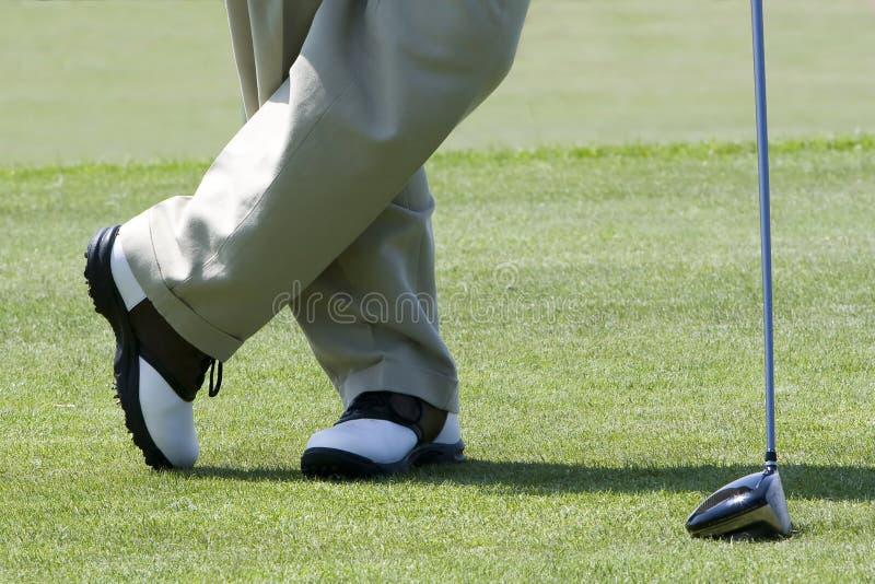 Golfspieleraufwartung lizenzfreies stockfoto