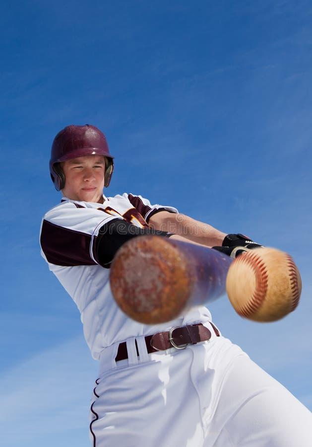 Golpe del béisbol imagen de archivo