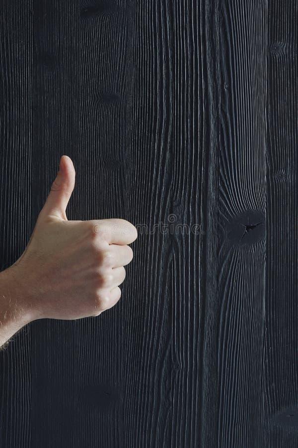 Golpe para arriba que muestra actitud positiva foto de archivo libre de regalías