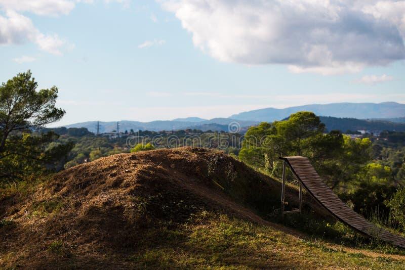 Golpeador de salto en el parque de la bici, lugar recreativo, centro de deportes imagen de archivo