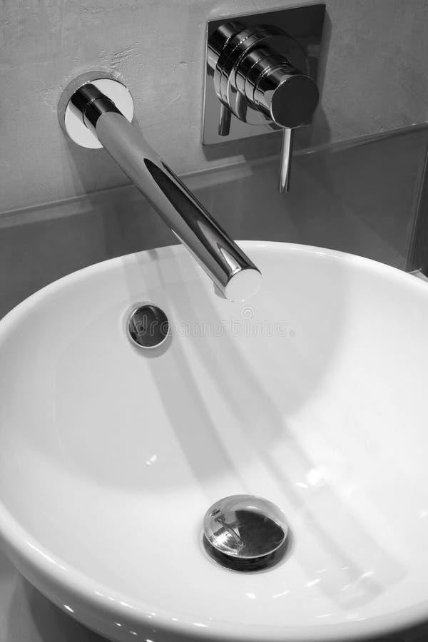 Golpecito moderno del cuarto de baño fotos de archivo libres de regalías