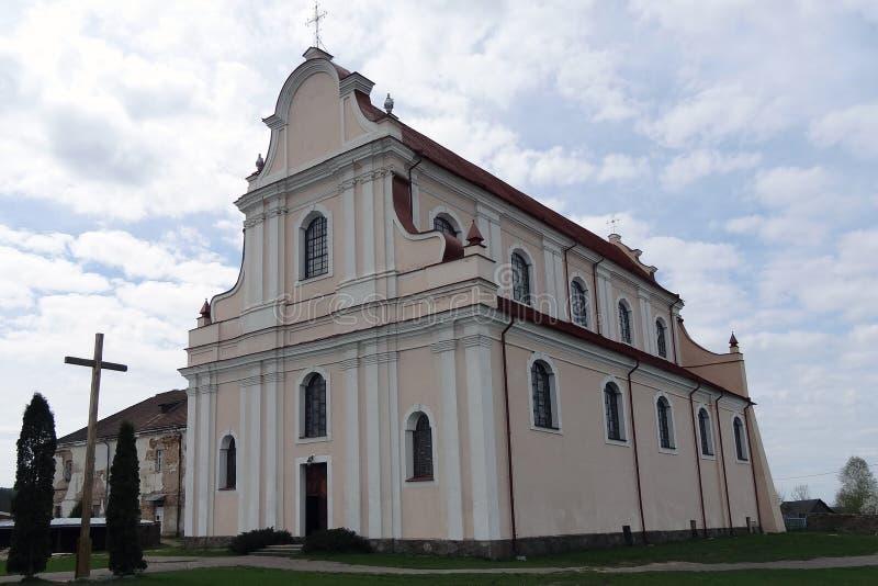 Golshany, Bielorussia - 1° maggio 2015: Vista della chiesa di St John il battista in Golshany, Bielorussia fotografia stock