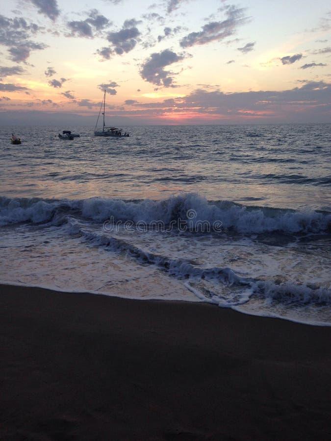 golven van de oceaan royalty-vrije stock afbeelding