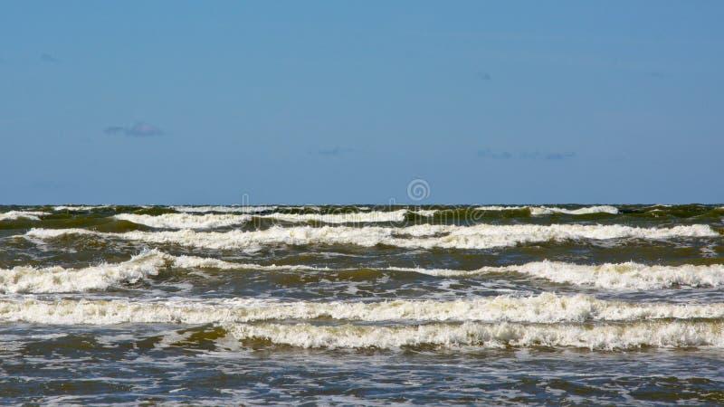 Golven van de Oostzee, Letland royalty-vrije stock foto