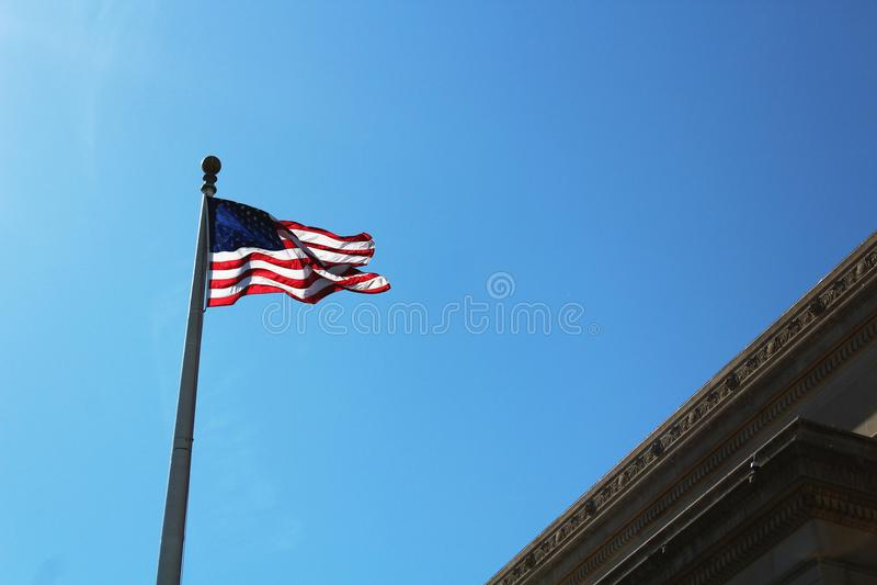 Golvende Amerikaanse Vlag royalty-vrije stock afbeeldingen