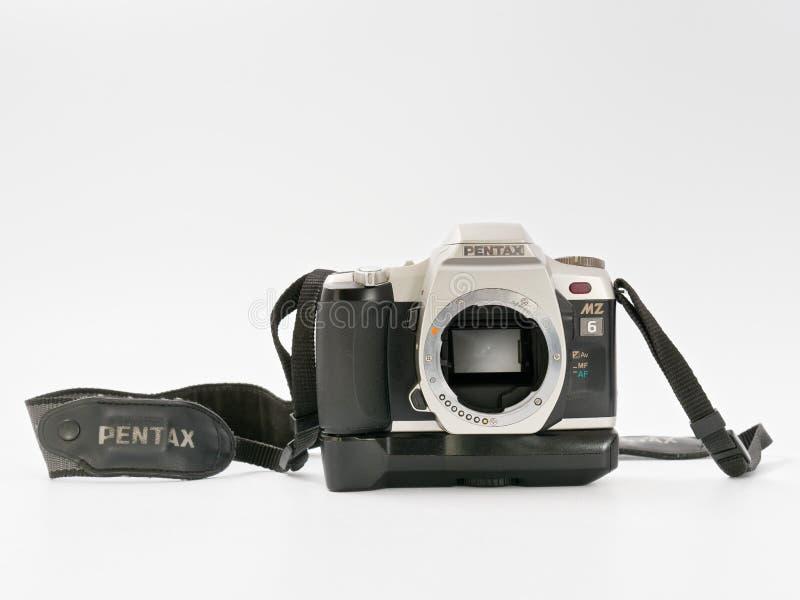 GOMEL BIAŁORUŚ, GRUDZIEŃ, - 11, 2018: Pentax MZ 6 kamera na białym tle obrazy royalty free