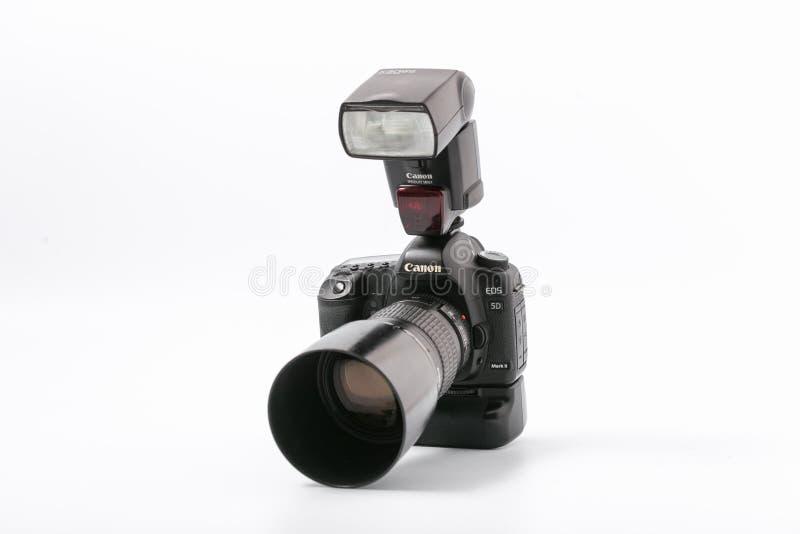 GOMEL, WIT-RUSLAND - November 9, 2017: digitaal MARK 2 van cameracanon met flits royalty-vrije stock afbeelding