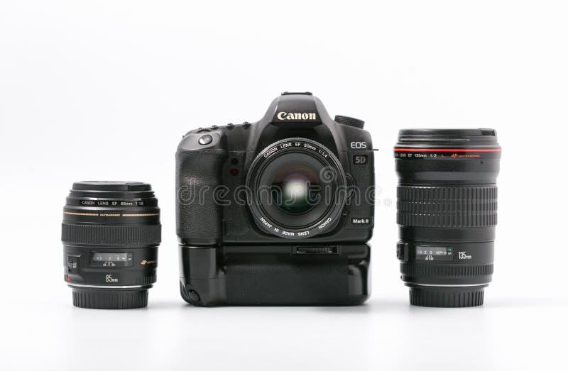 GOMEL, WIT-RUSLAND - 9 November 2017: digitaal MARK 2 van cameracanon met lens royalty-vrije stock afbeelding
