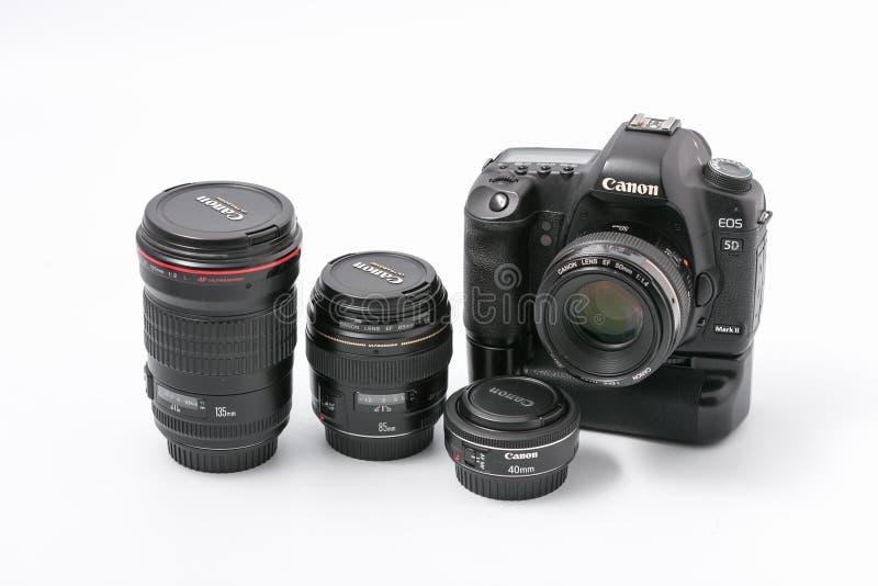 GOMEL, WIT-RUSLAND - 9 November 2017: digitaal MARK 2 van cameracanon met lens royalty-vrije stock afbeeldingen