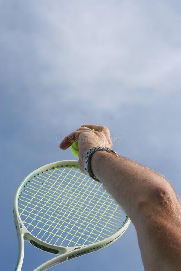 Download Gomito di tennis fotografia stock. Immagine di aperto, divertimento - 200058