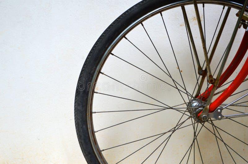 Gomma della bicicletta e rotella dello spoke immagine stock libera da diritti