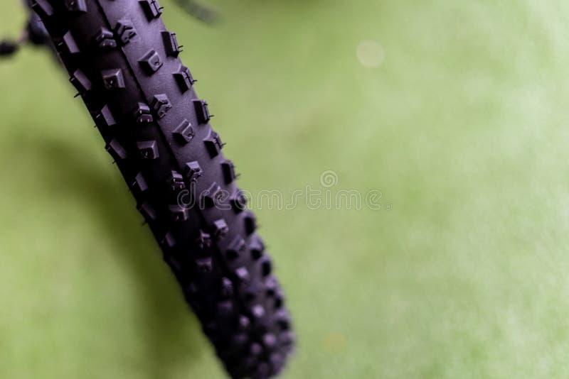 Gomme nuovissime della bicicletta immagini stock
