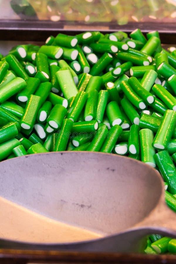 Gommes vertes fruitées image libre de droits