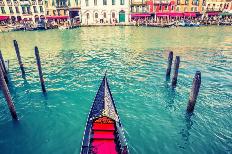 Gondel auf großartigem Kanal in Venedig stockbild