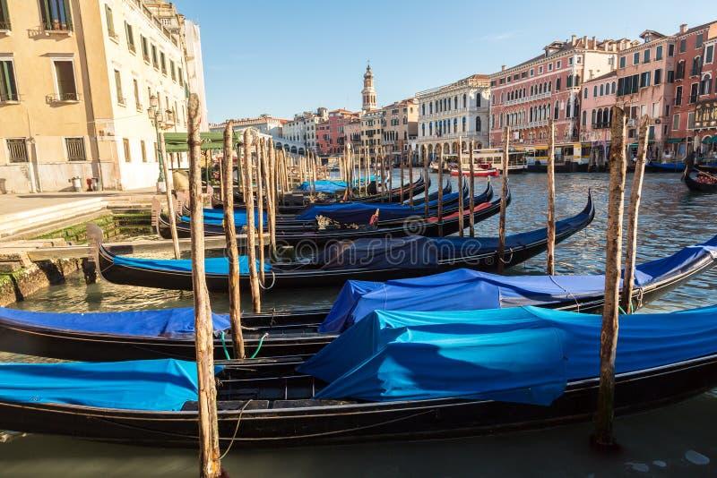 Gondel op Kanaal Grande in Venetië stock fotografie