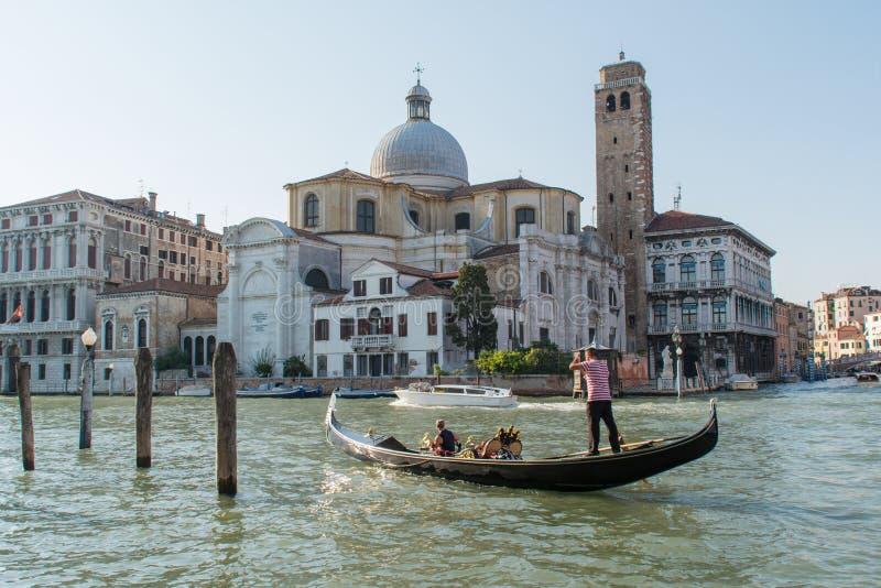 Gondelfahrt in Venedig lizenzfreies stockfoto