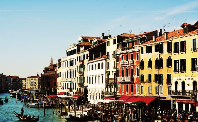 Gondels en restaurants, in openlucht, in Venetië, Italië, Europa royalty-vrije stock foto