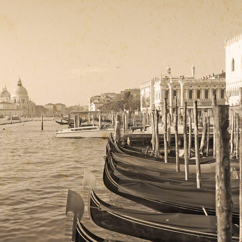 Download Gondels In Venetië In Uitstekende Toon Stock Foto - Afbeelding bestaande uit middellandse, facade: 54079688