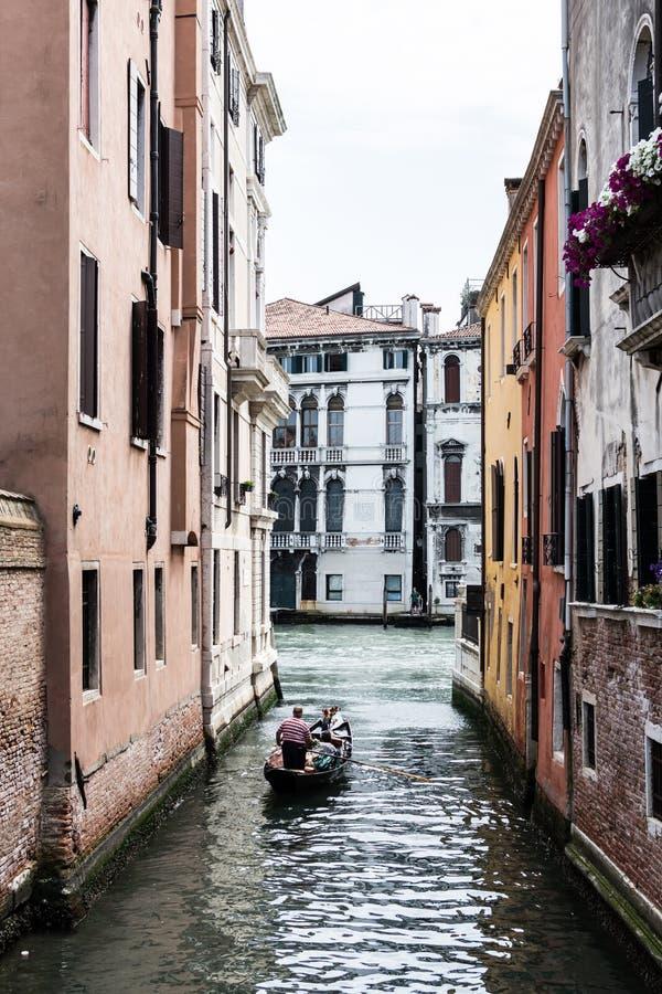 Gondola sul canale a Venezia fotografia stock libera da diritti