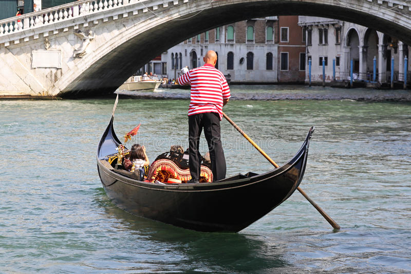 Download Gondola editorial photo. Image of canal, landmark, attraction - 34552661
