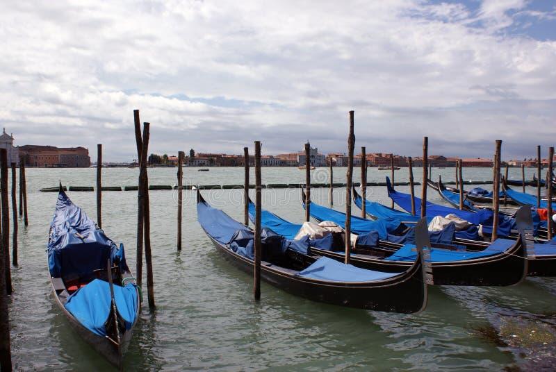 Gondole sur la mer au venezia image libre de droits