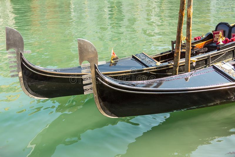 Gondoler och kanal arkivbilder