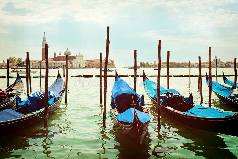 Gondoles accouplées sur Piazza San Marco Venice images libres de droits