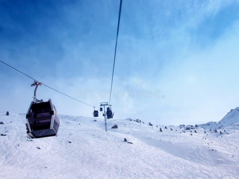 Download Gondoles de câble photo stock. Image du récréationnel, glace - 84026