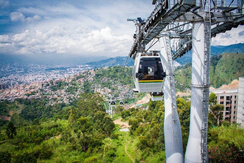 Gondoli Ropeway miasta krajobraz Medellin Kolumbia wagon kolei linowej obraz royalty free