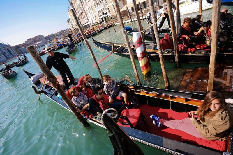 Download Gondolier zdjęcie stock editorial. Obraz złożonej z panorama - 13331283