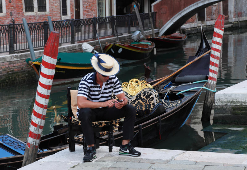 Download Gondolier Editorial Photo - Image: 21196696