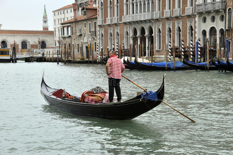 Download Gondolier editorial photography. Image of costume, male - 26562847