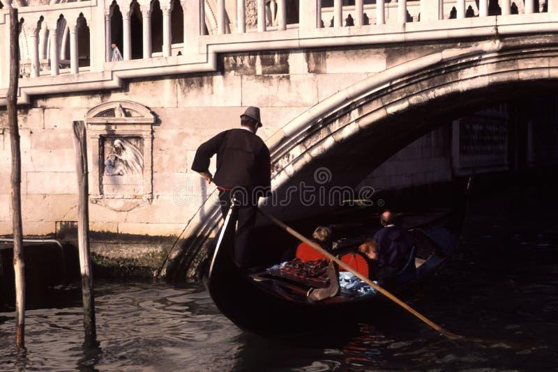 Gondolier de Veneza imagens de stock