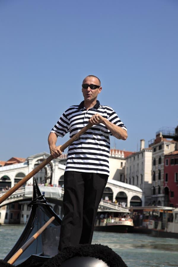 Gondolier a Venezia immagini stock libere da diritti