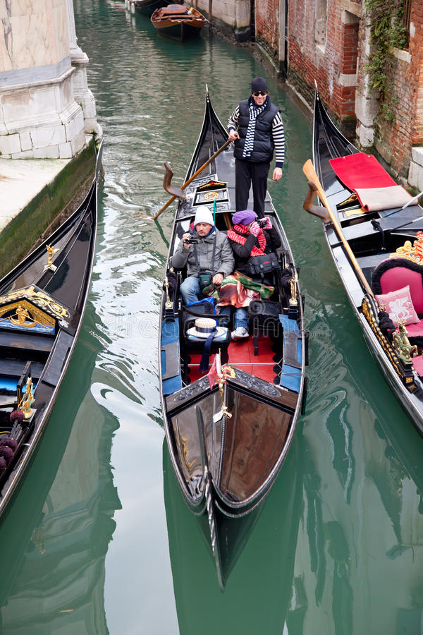 Download Gondoliero Sailing In Venice Channel Editorial Photo - Image: 18938871